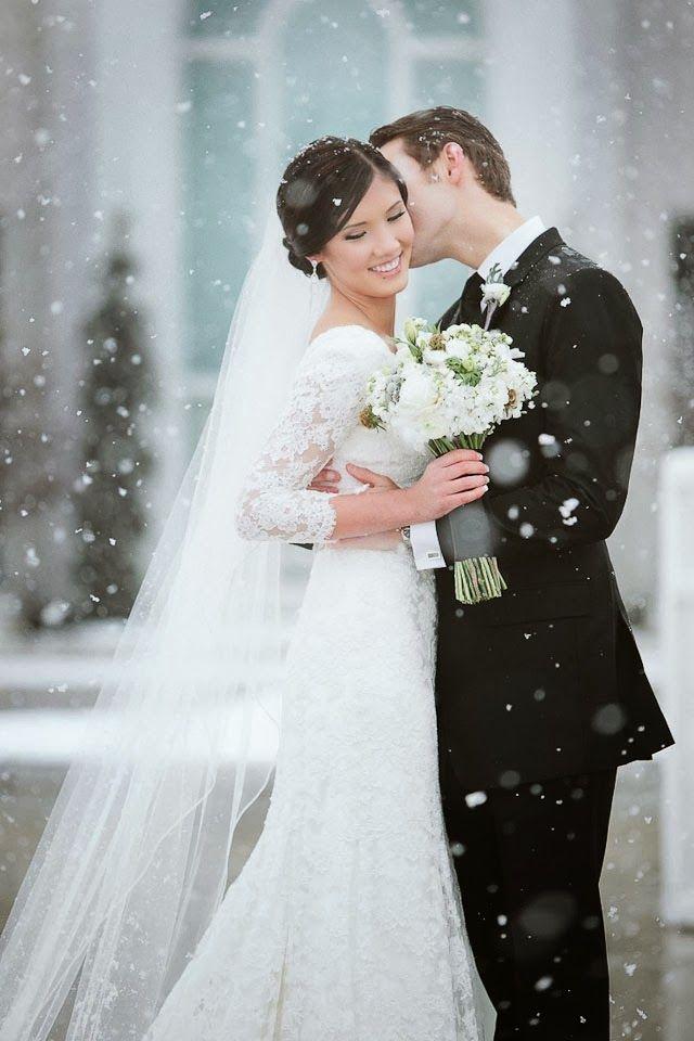 THE NORWEGIAN WEDDING BLOG : Brudekjoler med vakre ermer - Wedding dresses with sleeves