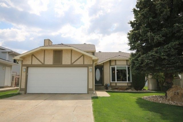 UPGRADED HOME ON A LARGE LOT! (Spruce Grove) Situated on a huge pie-shaped lot in the desirable community of Millgrove, Spruce Grove is where you will find this upgraded 4 level split home. Boasting an open floor plan with newer hardwood, carpet, & porcelain tile floors throughout, maple kitchen with granite counters, tile backsplash, centre-island with a raised eating bar, appliance garage, dining area with a bay window seat. Offering over 1,210 square feet, 4 bedrooms, 3 upgraded…