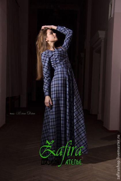Платье в пол  синяя клетка. Длинное платье в клетку из костюмной ткани.Круглый вырез,по тали отрезное,вшитый пояс  и юбка полу солнце ,рукав на манжете,сзади застегивается платье на  молнию.Материал костюмная ткань( хлопок 70% ,30% полиакрил).