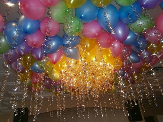 Ballons and streamers idea