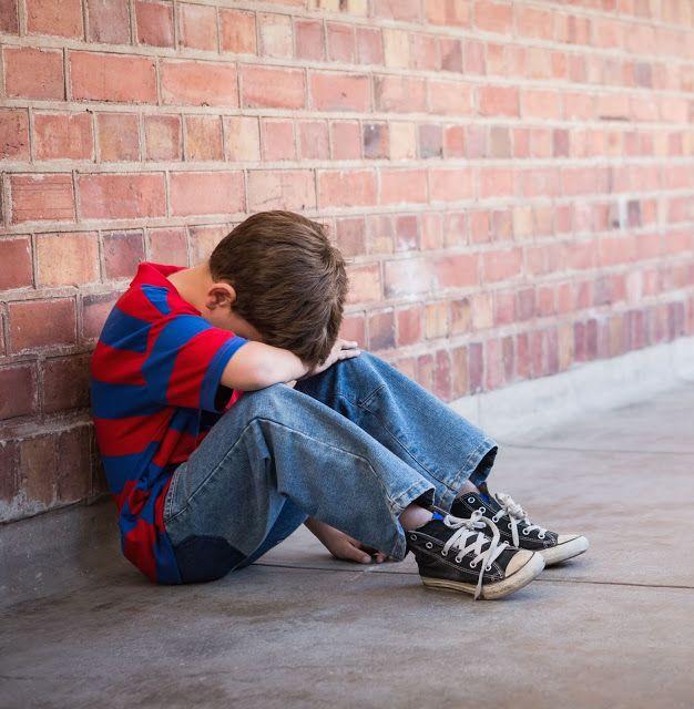 The Rooster: Πως το πληγωμένο παιδί που κρύβουμε μέσα μας μολύν...
