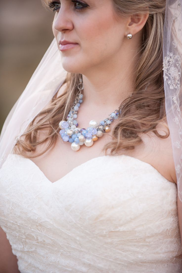 Vintage pearl bridal blog real brides news amp updates wedding - Our Tempe Strut Bride Elizabeth Is Up On The Blog In A Fitted Lace Wedding Dress