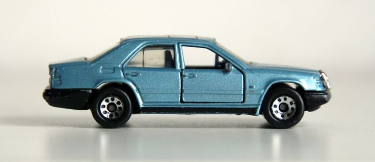 Mercedes 300E