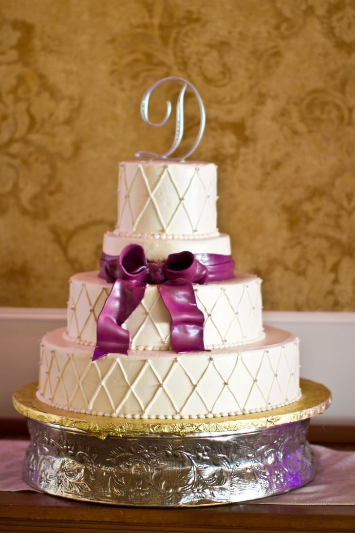 wedding cakes with writing 1000 ideas about monogram cake on fancy 26140