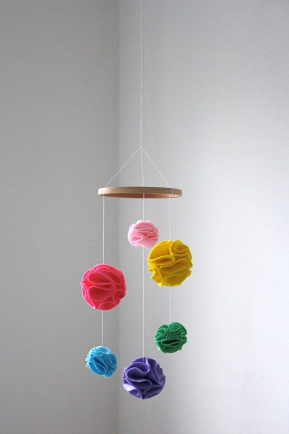 25 best pom pom mobile ideas on pinterest pom poms for Diy felt flower mobile