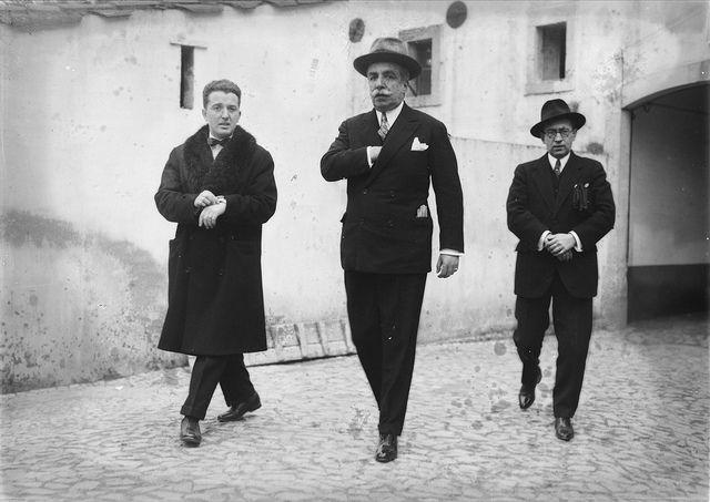 Revista Ilustração, Lisboa, Portugal  Visita da Embaixatriz do Brasil às instalações da Revista Ilustração. Lisboa, 1928. Fotógrafo: Mário Novais Data de produção da fotografia original: 1928.