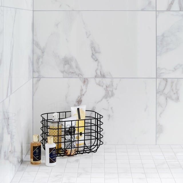 Carrelage Mur Marbre Blanc Carrare Brillant L 30 5 X L 56 Cm