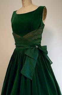 1950s Vintage Emerald Green Cocktail Dress #coloroftheyear