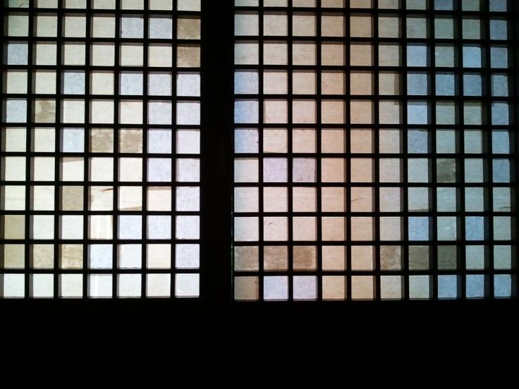 눈을 뜨자, 창호지 바깥에 아침이 와 있음을 아는 이 느낌.. 이타미 준은 천재다. @ 제주포도호텔