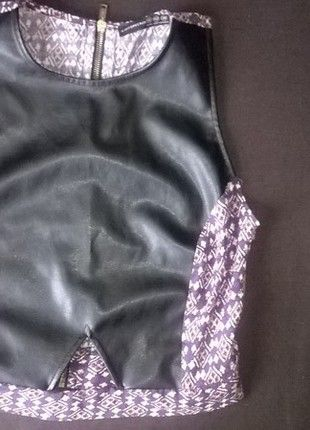 Kup mój przedmiot na #vintedpl http://www.vinted.pl/damska-odziez/koszulki-na-ramiaczkach-koszulki-bez-rekawow/9851153-bluzka-czarna-top-mgielka-38-m-mango-spodnica-top-koszulka-skorzana-skora-blogerska