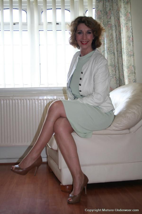 An Outfit This Mommie Would Wear   Beautiful Female -6937