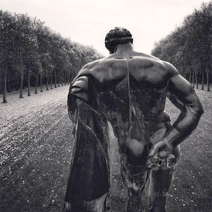 Michael Kenna, Hercules, Vaux le Vicomte