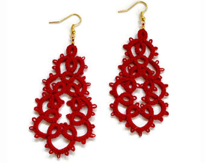 Rojo soy pendientes de encaje / / encaje encaje / / joyería de declaración / / contemporáneo joyas pendientes/frivolite / / rojo / / soy joyas