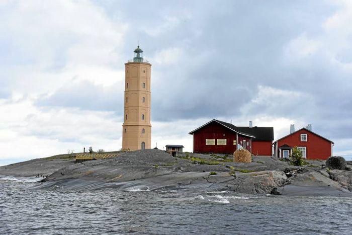 Oletko käynyt tässä upeassa majakassa? Laiva vie perille reilussa tunnissa | Helsingin Uutiset