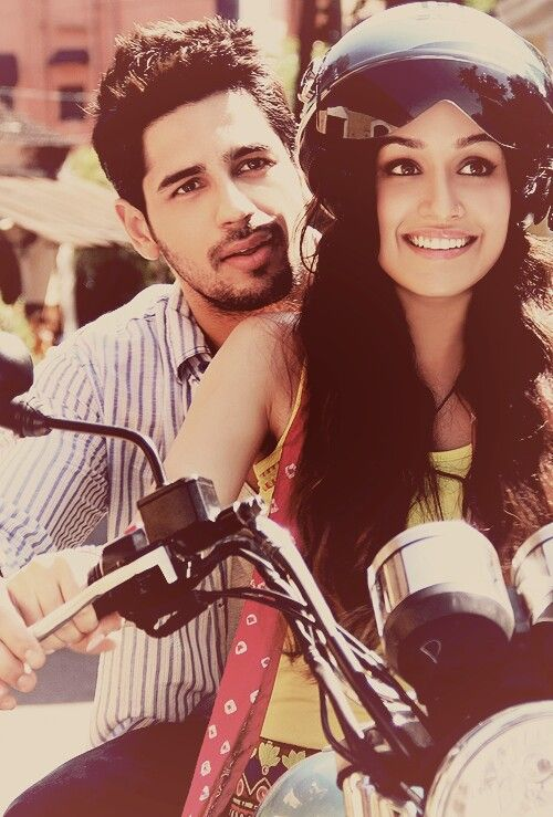 Siddharth Malhotra and Shraddha Kapoor In love with their Indian Movie!!!