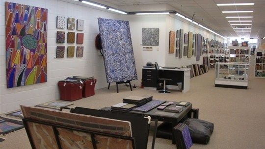 Browse through Mbantua Gallery Darwin