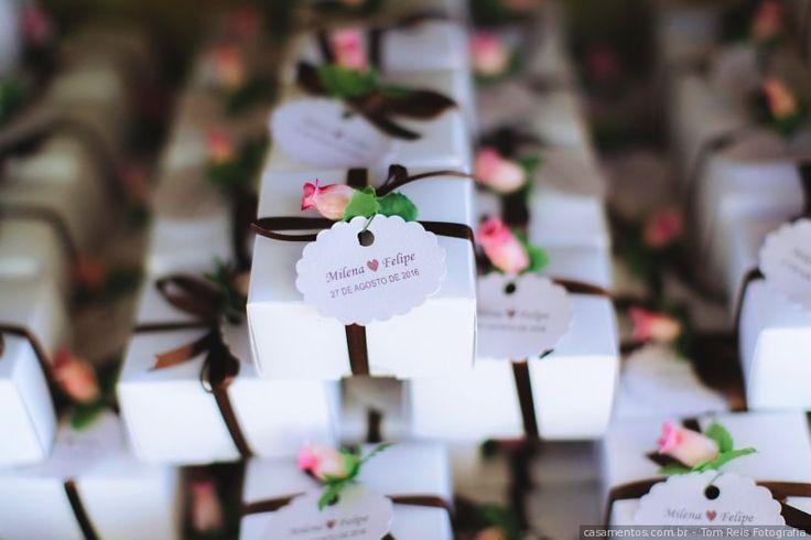Já que vocês vão proporcionar essa linda festa para os convidados, merecem também um presente deles, para abençoar ainda mais essa união. Com a lista online essa tarefa é ainda mais fácil.