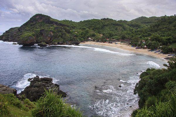 Melintas Pantai Siung menuju Pantai Wediombo, Gunung Kidul - Yahoo News Indonesia