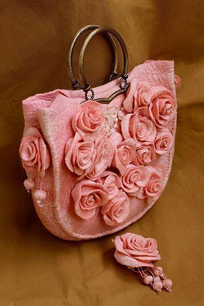 "Сумочка и брошь из шерсти и шелка ""La vie en rose"" - романтический стиль"