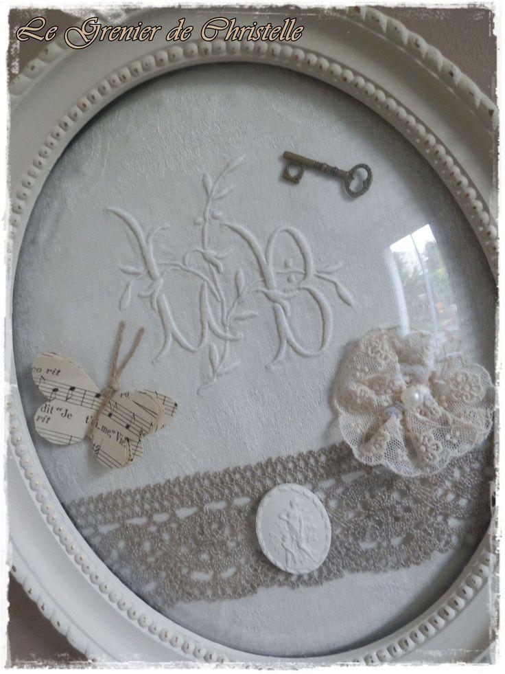 Tableau monogramme drap clé ruban dentelle....