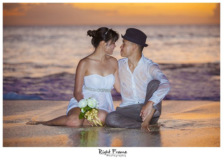 Love the charm and warmth captured by Right Frame Photography!Oahu Hawaii. http://bit.ly/1N4ykA3 #lizmooreweddingshawaii