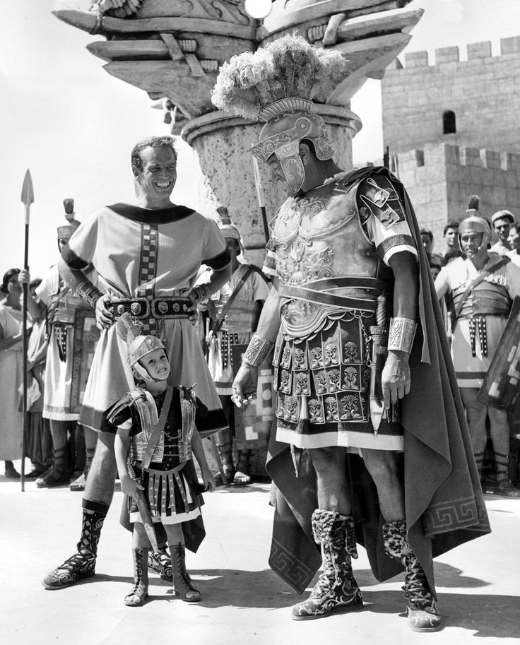 Charlton with Fraser Heston and Jack Hawkins on the set of Ben-Hur directed by William Wyler, 1959