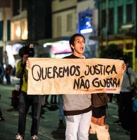 'We want justice, not war.' #changebrazil #vemprarua