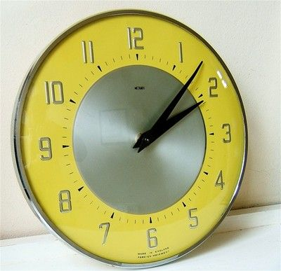 metamec vintage diner kitchen wall clock 1950s 1960s yellow chrome retro wind up
