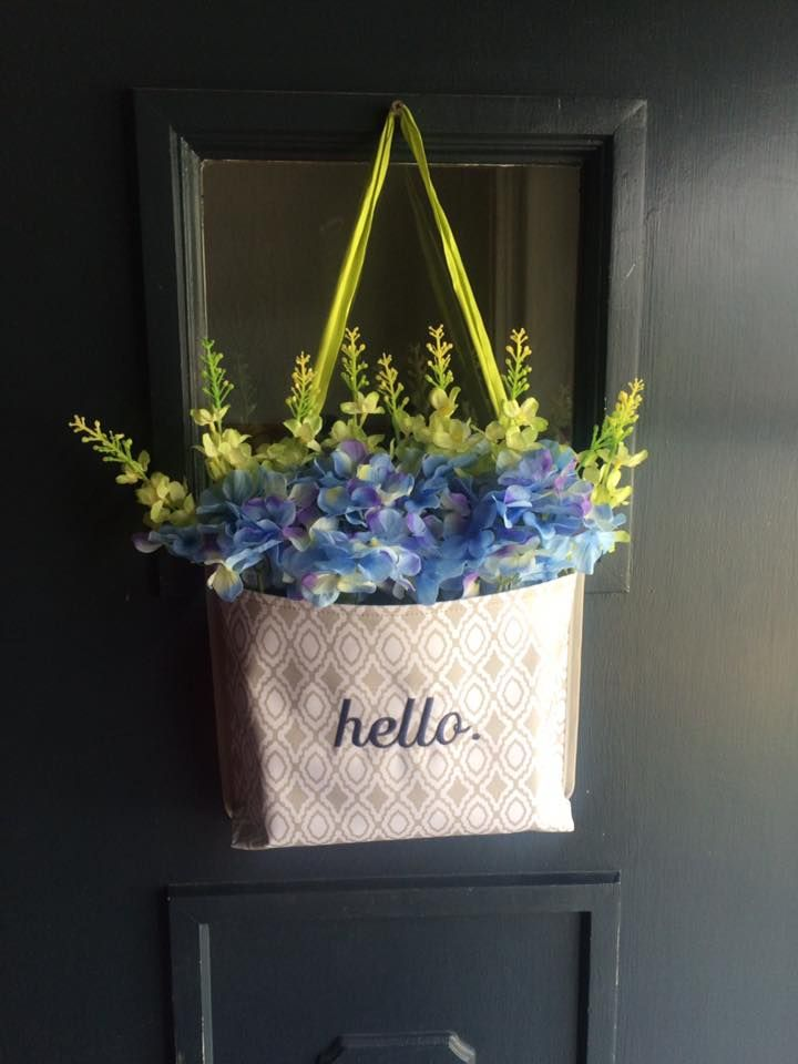 Oh snap pocket looks amazing filled with flowers on the for Pocket front door