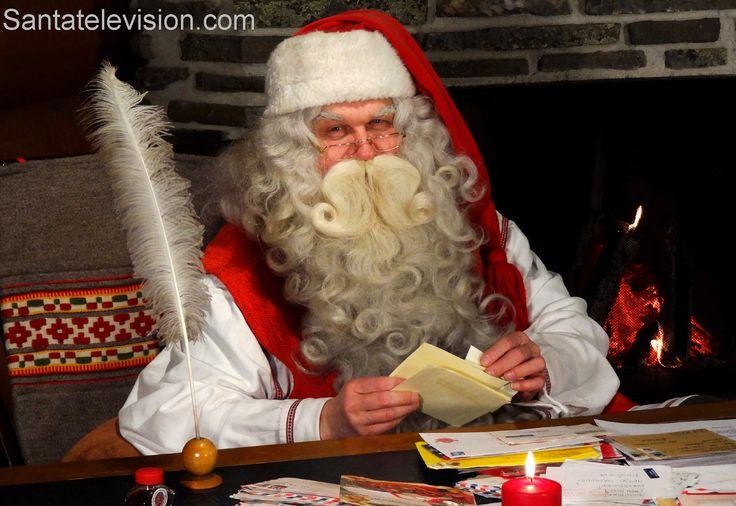 Der Weihnachtsmann im Hauptpostamt des Weihnachtsmann` in Rovaniemi in Lappland