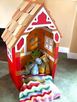DIY::Cardboard box playhouse