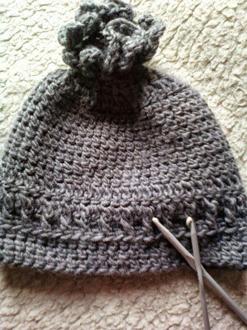 ensemble bonnet et snood au crochet fil à tricoter gris foncé : Chapeau, bonnet par chely-s-creation