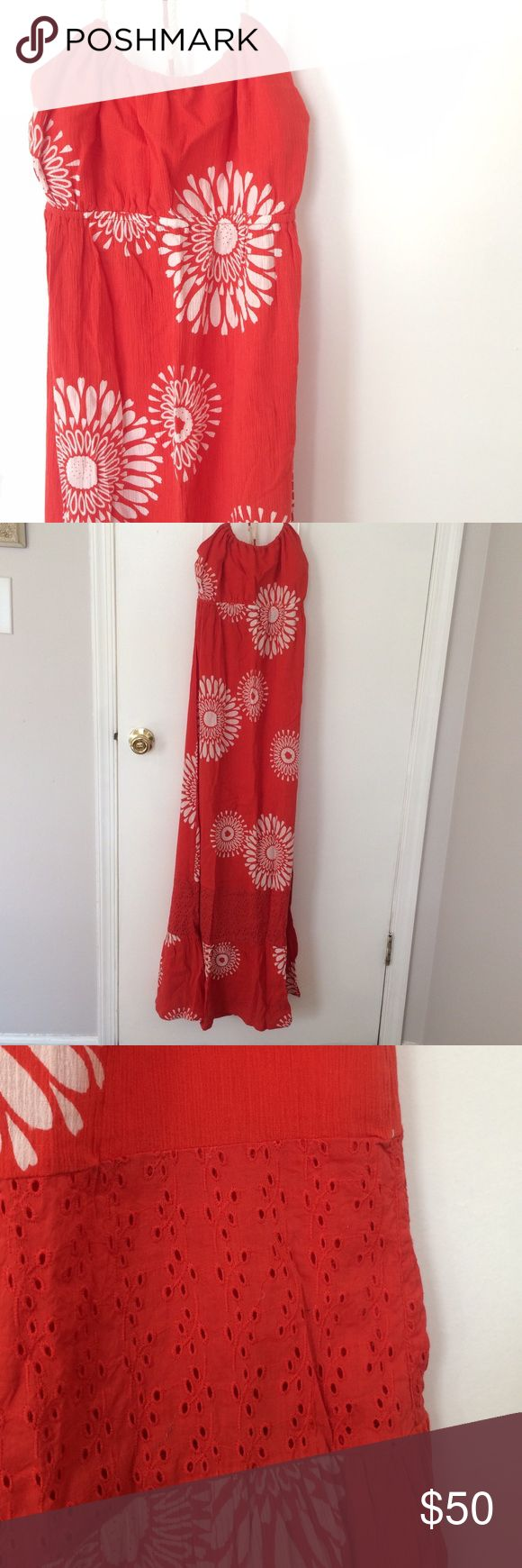 NWT Roxy Maxi Sun Dress Roxy maxi dress with halter neckline and light fabric. Color is a shade of burnt orange with white floral burst motif and some eyelet towards the bottom of the dress. New with tags!!! Never worn; ended up being too big. Size Small. Price is firm! Roxy Dresses Maxi