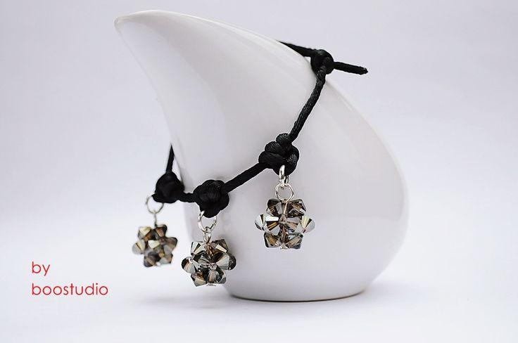 Satin cord bracelet - bransoletka wykonana z czarnej satyny i ozdobiona trzema kulkami wykonanymi z kryształków SWAROVSKIEGO - BICONE - CRYSTAL BRONZE SHADE. Dodatkową ozdobę stanowią japońskie koraliki MIYUKI. www.facebook.com/BooStudioHandMade