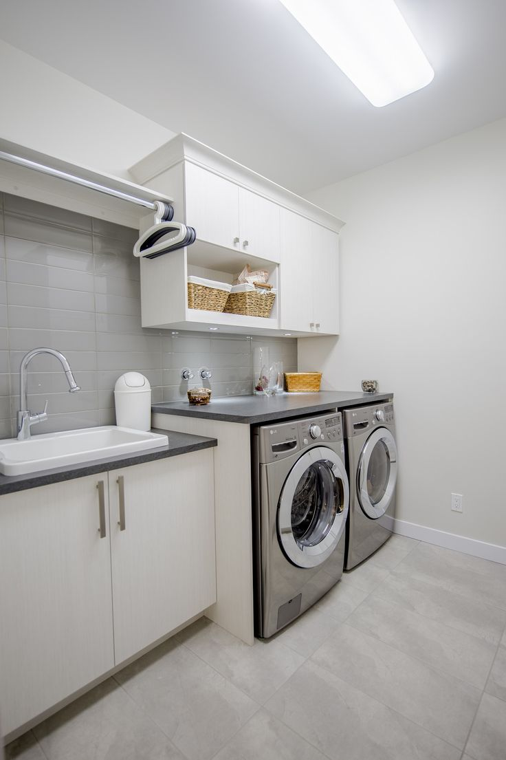 Laundry room by construction mckinley prix nobilis salle de lavage par construction mckinley