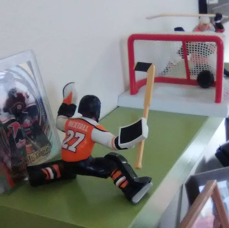 Ron Hextall was the first NHL goalie to score a goal. #flyers #philadelphiaflyers #nhl #hockey #randomstuff #fridayfacts