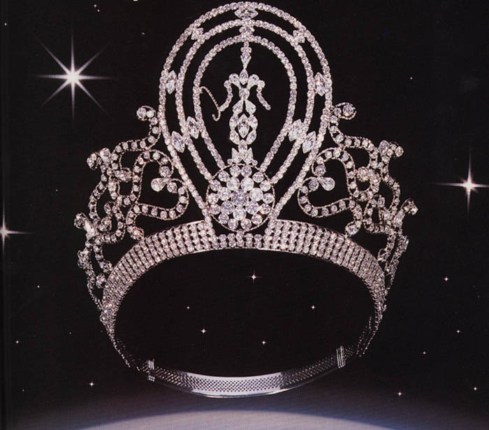 Classic Miss Universe crown