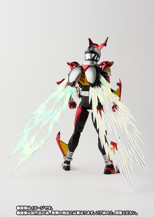S.H.Figuarts(真骨彫製法) 仮面ライダーカブト ハイパーフォーム 05