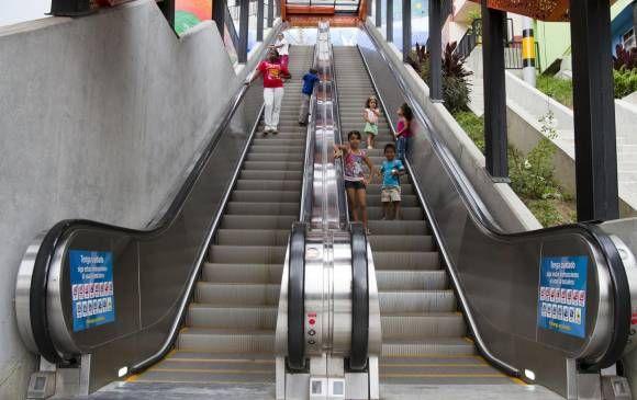 Recomendaciones para no correr peligro en unas escaleras eléctricas