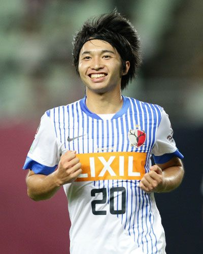 ヤマザキナビスコカップ:準々決勝 C大阪 vs 鹿島   70分、試合を決定づける3点目を奪った柴崎岳(鹿島)。得点後には満面のこの笑顔!試合は0-3で鹿島がC大阪を下し、準決勝進出を決めた。