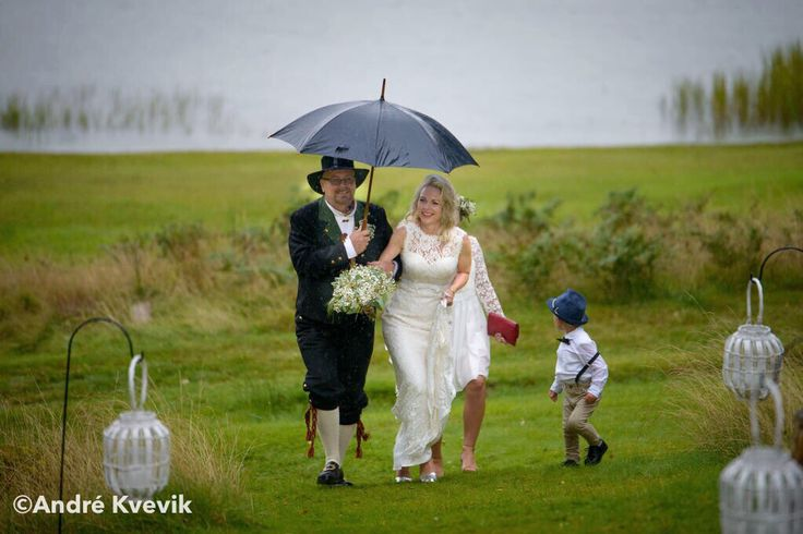 Bride with her father by her side. Wedding at Hankø, Fredrikstad, Norway