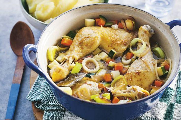 Kijk wat een lekker recept ik heb gevonden op Allerhande! Pot-au-feu van kip met aardappelpuree