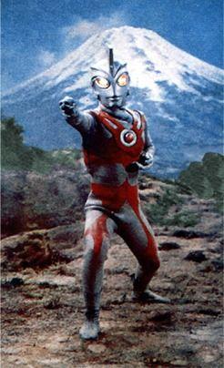 Ultraman Ace (1972) - Série que sucedeu O Regresso de Ultraman. O herói é um dos mais queridos do Universo Ultra e fez inúmeras participações em produções posteriores.