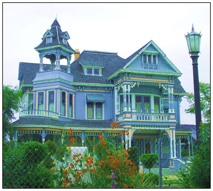 joilieder:    Edwards Mansion is a Victorian house in Redlands, California.   Photograph by Angelikka from deviantART.com.