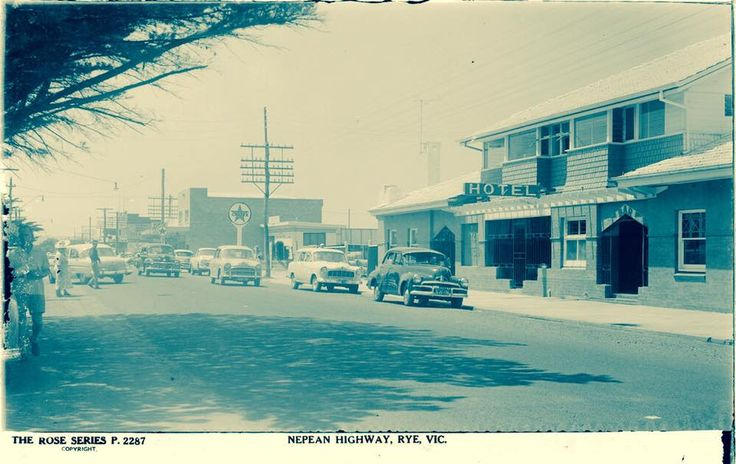 Nepean Hwy Rye with hotel and Caltex service station in foreground.