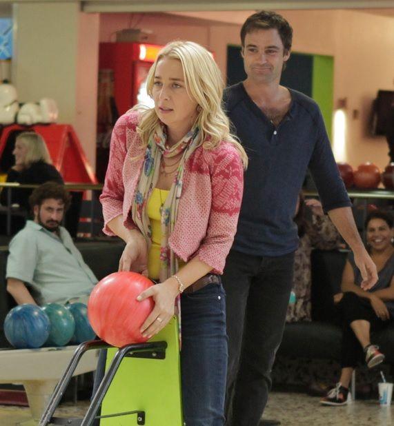 Offspring season 3 - Nina and Patrick - bowling time. Need some help Nina?;)