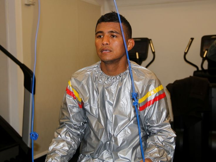 La gran figura del boxeo mundial actual, el invicto nicaragüense Román 'Chocolatito' González le dedicará su pelea de este sábado en Nueva York a...