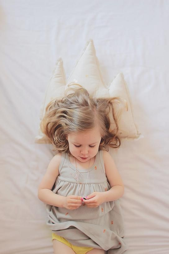 A crown for a pillow! :) www.kidsfinest.nl