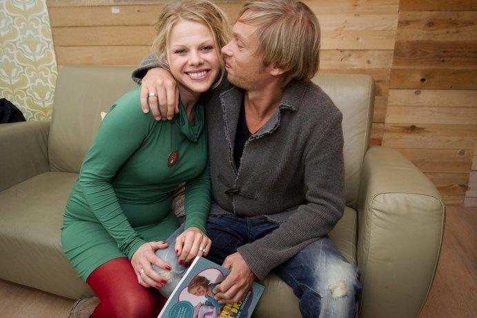 Regi en Elke Vanelderen verwelkomen tweede kindje - Het Nieuwsblad: http://www.nieuwsblad.be/cnt/dmf20161003_02498440