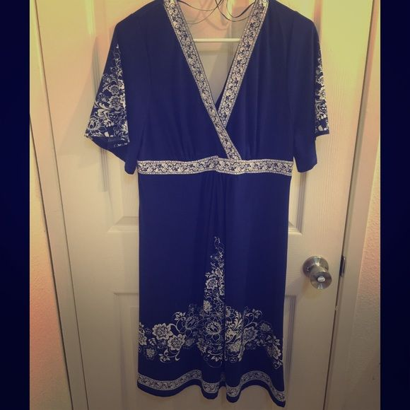 Super Cute Summery Dress Preloved. Great for BBQs & parties. Dresses Midi